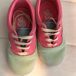 Vans little girls 9 toddler sneakers